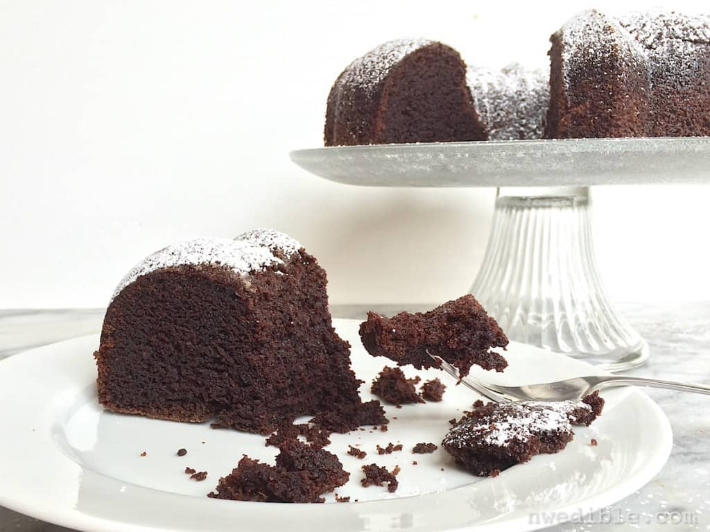 Printable Pictures Of Chocolate Cake : Easy Guinness Chocolate Cake for St. Patrick s Day